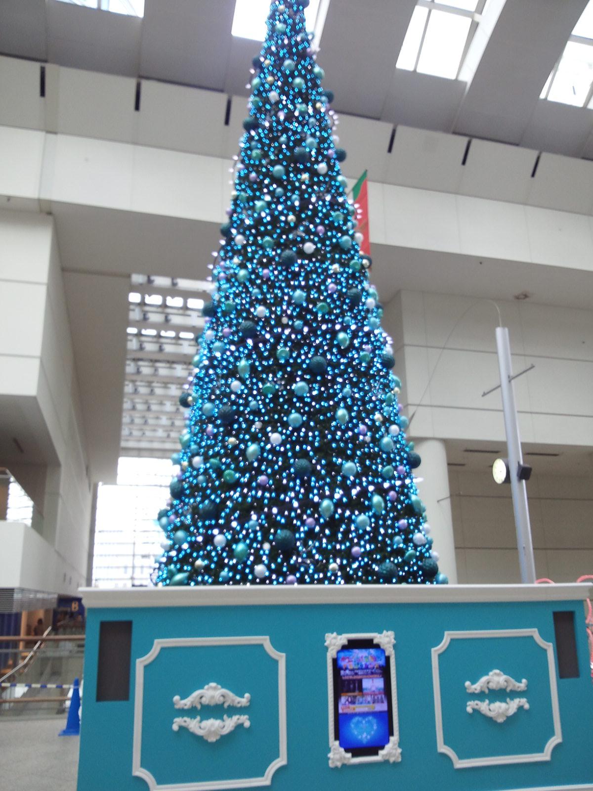 クイーンズスクウェアのクリスマスツリー