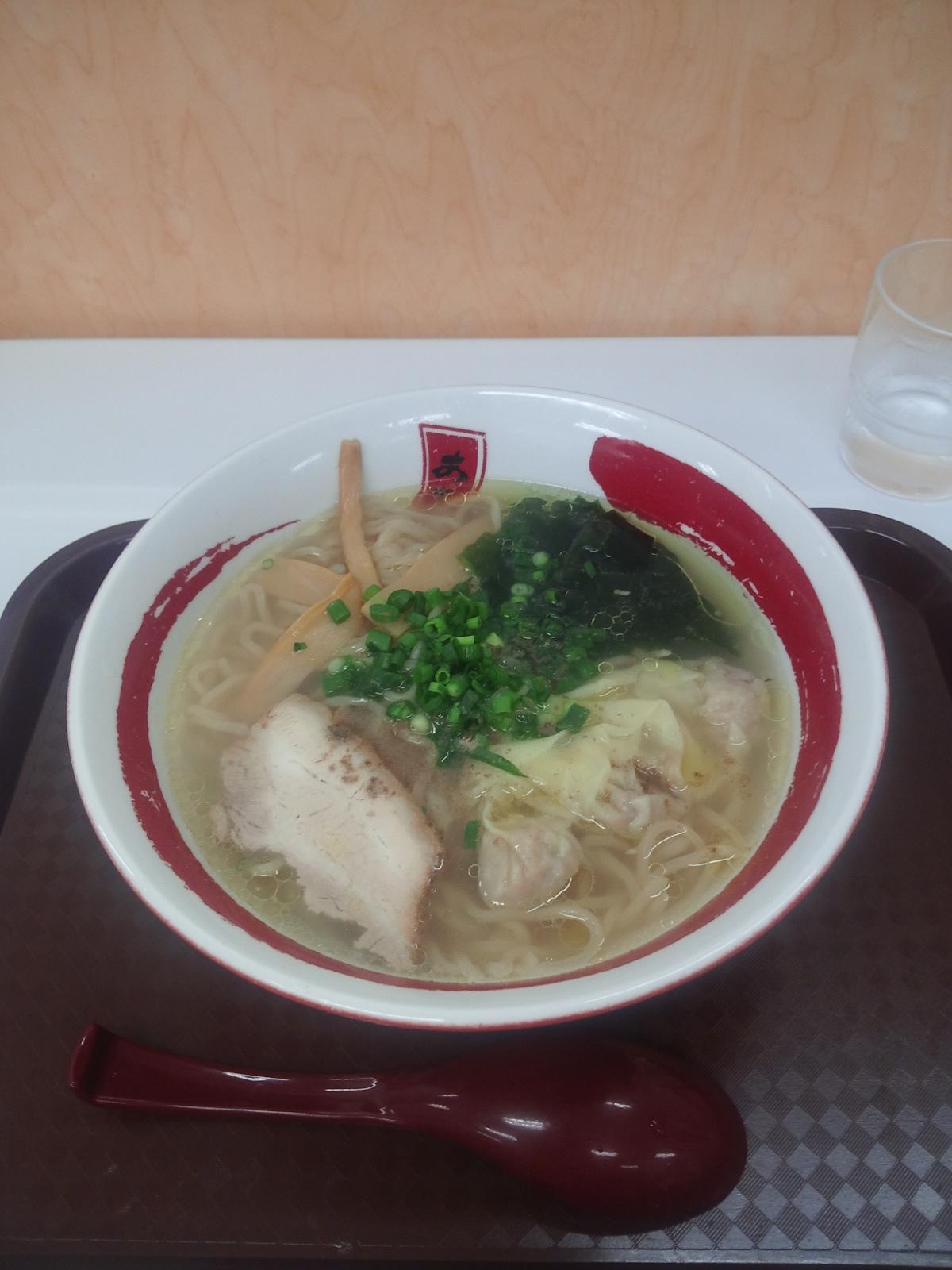 函館塩イカ様ワンタン麺