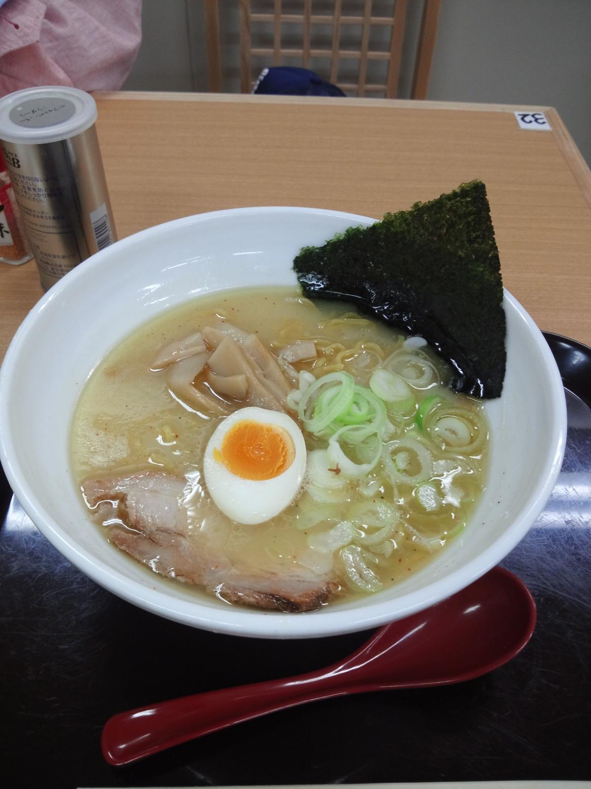 究麺 十兵衛の塩ラーメン