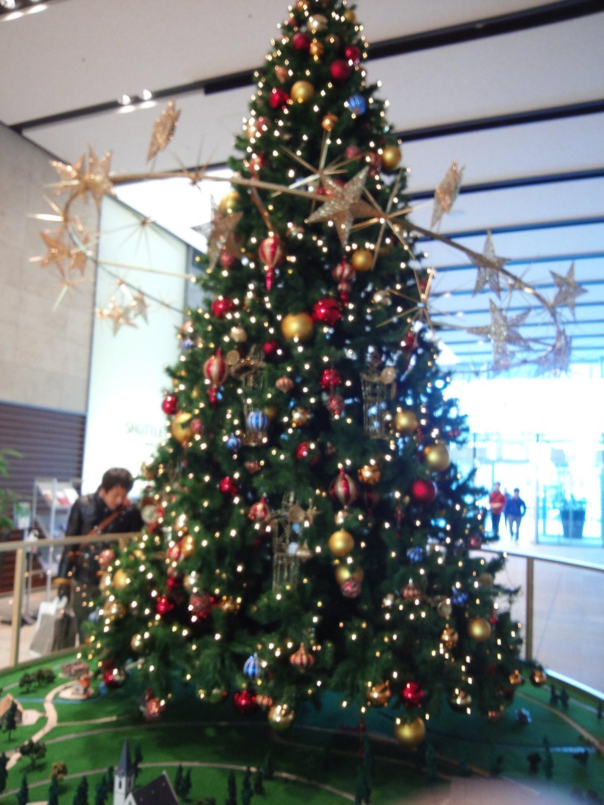 横浜三井ビルのクリスマスツリー